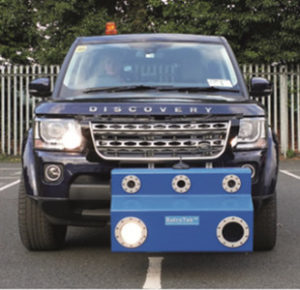 retrotek-m-dual-line-mobile-retroreflectometer-mounted-to-range-rover